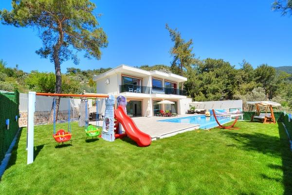 Children's Pool Villas